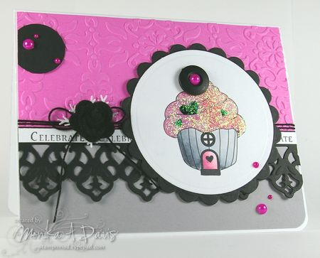 TE-CozyCottage-cupcakehouse