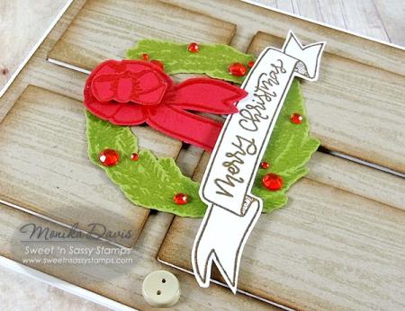 ChristmasWreathDoorcloseup2